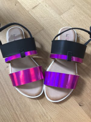 Pink Pearl Beach Sandals black-lilac