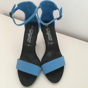 Sandalen mit Absatz neu