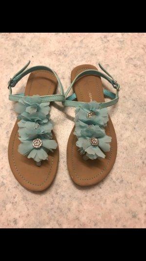 Sandalen mit Blumen mint