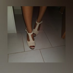 Sandalen mit dicker Absatz