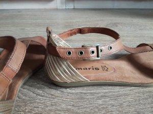 Sandalen mit goldener Ferse