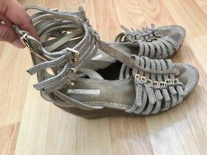 Zara Woman Clog Sandals beige