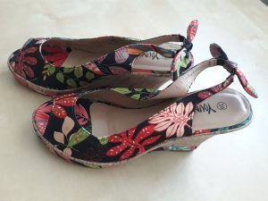Young Spirit Sandals black-dark red