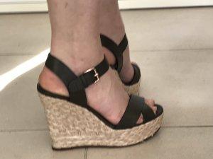 Sandalo con plateau cachi
