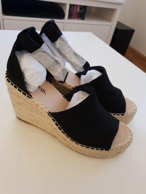 JustFab Strapped High-Heeled Sandals black