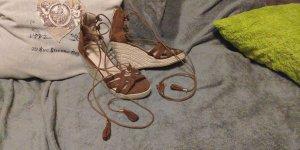 Sandalen mit Keilabsatz Gr. 37