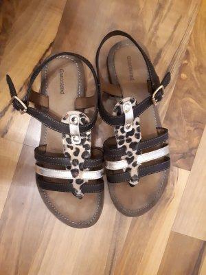 Sandalen mit Leo-Muster