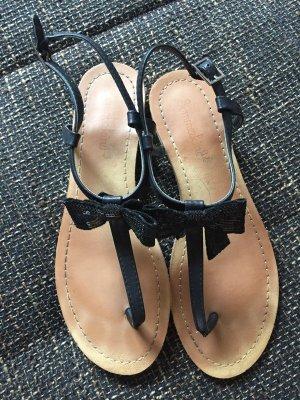Sandalen mit Pailletten-Schleife