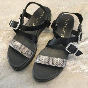 Sandalen mit Schlangenprint von Unisa