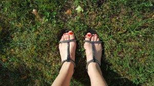 Sandalen mit silbernen Ketten von Zara