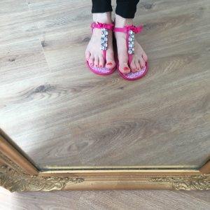 Sandalen mit Strass in pink