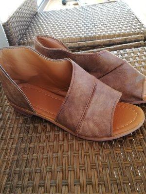 Sandales gris brun faux cuir