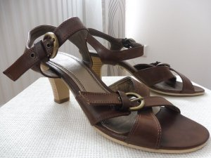 Strapped High-Heeled Sandals brown