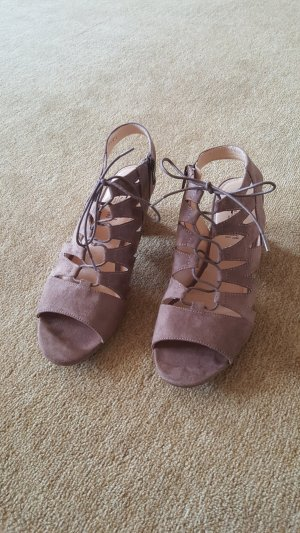 5th Avenue Strapped Sandals light brown