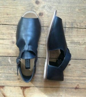 Sandalen schwarz Leder