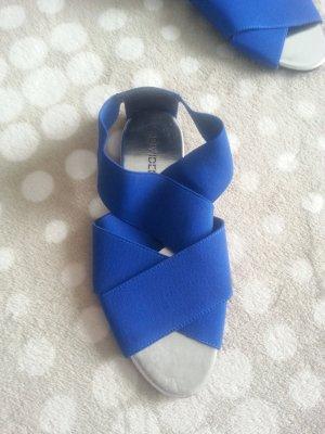 Sandalen sehr elastisch