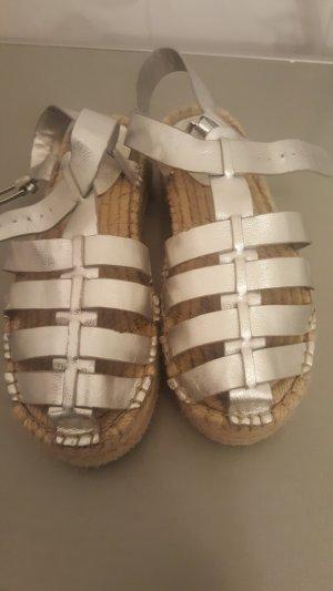 Sandalias con plataforma color plata-gris claro