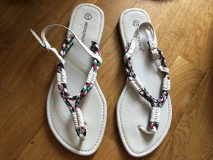 Atmosphere Toe-Post sandals white