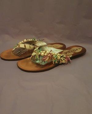 Sandalen von joyca im Zehentrenner Stil   Gr. 40  Zustand: sehr gut