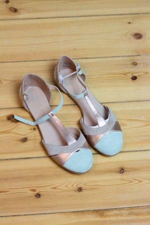 Sandalen von Mint & Berry