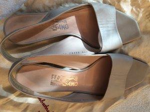 Sandalen von Salvatore Ferragamo, Gr.38,5
