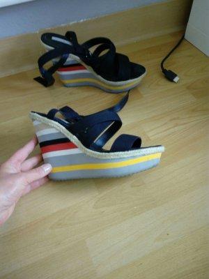 Sandalen von Zara 16 €