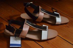 Sandalen von Zara ungetragen!