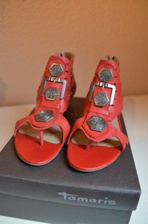 Sandalen / Zehentrenner in rot von Tamaris