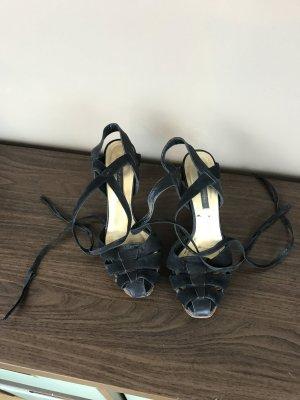 Sandalen zum Schnüren mit kleinem Plateau