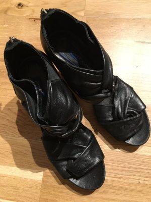 Janet & Janet High-Heeled Sandals black