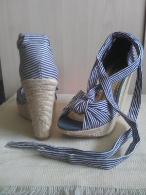 Sandalette Marine-Look Keilabsatz