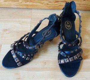 Sandalette mit Absatz und Nieten