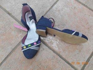 Sandalette mit Blümchen