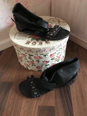 Sandalette rockiger Style