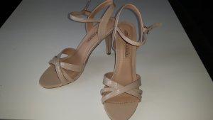 Sandalias de tacón de tiras nude
