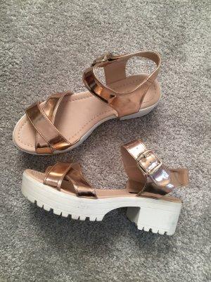 Sandales à talons hauts et plateforme or rose