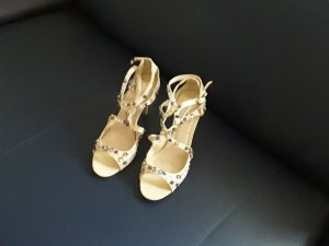 Strapped High-Heeled Sandals cream