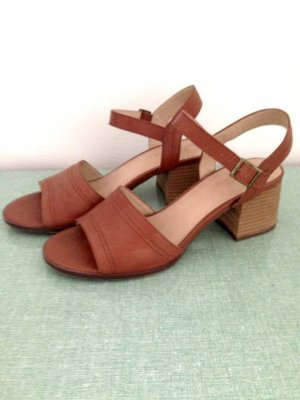 Urban Outfitters High-Heeled Sandals cognac-coloured leather