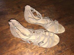 s.Oliver Strapped High-Heeled Sandals beige