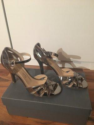 Sandaletten handgearbeitet