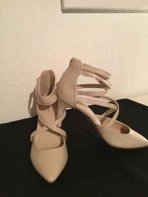 Sandaletten in nudefarben