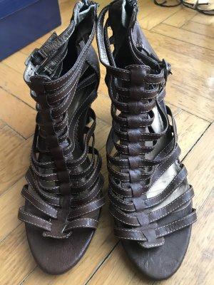 Sandalen met bandjes en hoge hakken donkerbruin