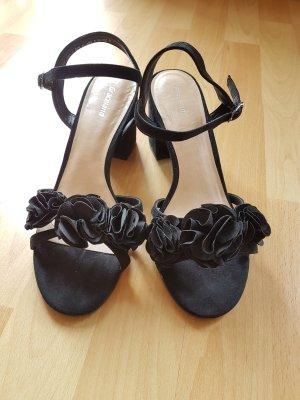 Sandaletten mit Blumenapplikationen
