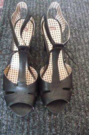 Sandaletten mit Cut-Outs Neu! Gr. 39-40