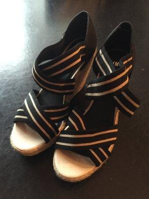 Sandaletten mit Keil-Absatz