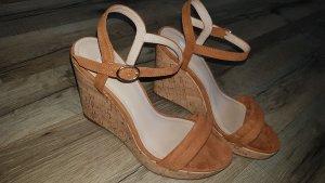 Sandaletten mit Keilabsatz in Korkoptik