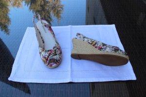 Sandaletten mit Keilabsatz von Graceland
