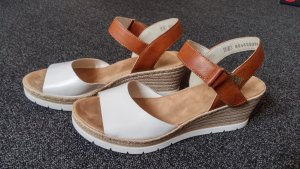 Sandaletten mit Keilabsatz, weiß-braun, von RIEKER