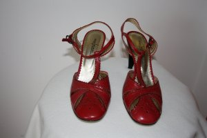 Strapped High-Heeled Sandals dark red leather