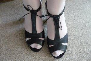 Sandaletten/ Peeptoes. Neu!